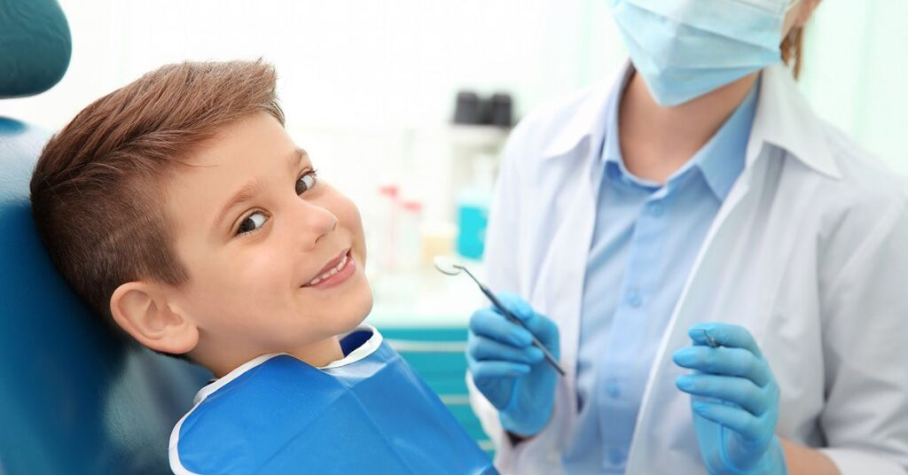 The child's first visit to the dentist without fear